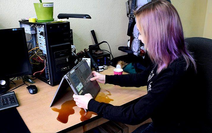 Что делать, если залили ноутбук?